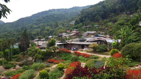 Poblado tribal Doi Pui